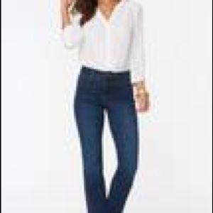 NYDJ Marilyn Straight Jeans  in RinseSZ 10